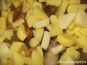 8 добавить картофель