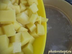 4 добавить картошку в бульон