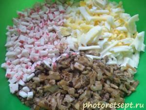 интгредиенты для салата из вешенок и крабов