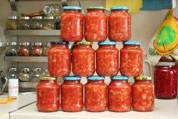 «Быстрый» салат из перца и твёрдых сортов томата