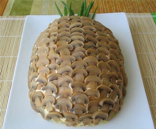 Украшение салата грибами