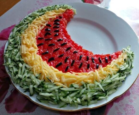 украшение салата арбуз