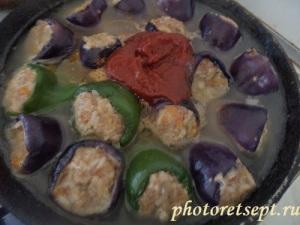 перец фаршированный с томатом