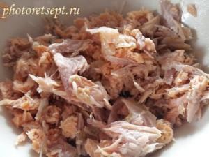 отделить мясо рыбы от косточек