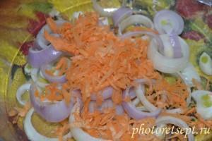 лук и морковь в картошку с фаршем в духовке