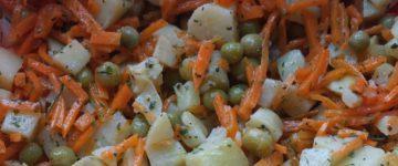 картофельный салат с морковкой
