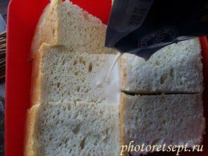 залить хлеб молоком