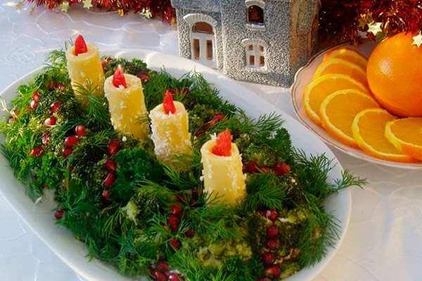 украшение салата свечи новый год