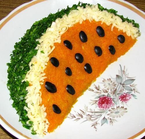 украшение салата долька арбуза