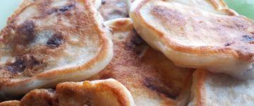 лепешки с колбасой рецепт