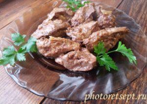 печень с луком куриная в муке