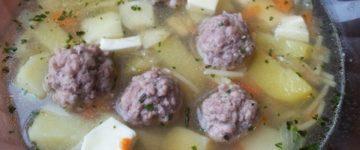 суп с фрикадельками и сыром