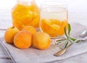 kompot-abrikosovyj