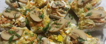бутерброды с сыром и грибами
