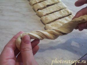 закрутить тесто для булки