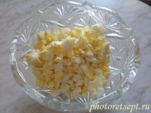 яйца в салатнике