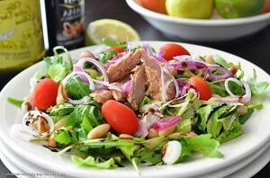 салат с тунцом с фасолью