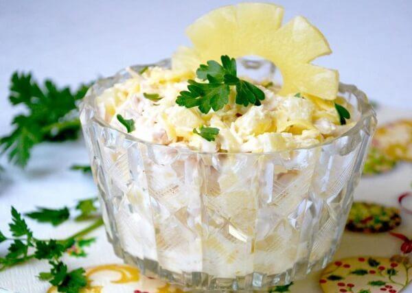 salat-s-ananasami