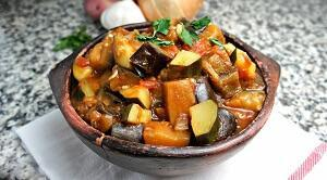 рагу овощное с кабачками и баклажанами