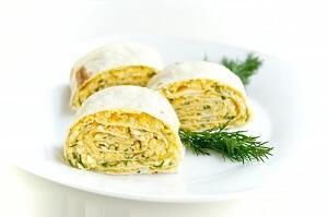 рулет с сыром и луком