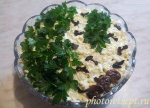 салат березка с курицей черносливом