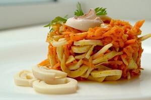 кальмаровый салат с морковкой