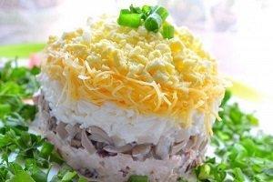 салат восторг курица грибы кукуруза сыр