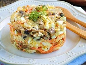 салат курица морковь жареные грибы