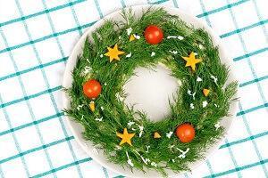 salat-novogodniy-venok