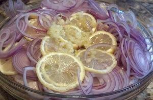замариновать лук лимон