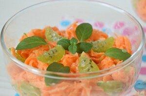 салат с крыжовником и морковью