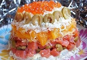 салат с форелью и апельсинами