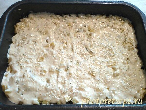 залить тесто пирог