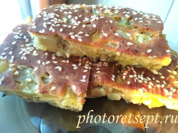 Заливной пирог на кефире с картошкой