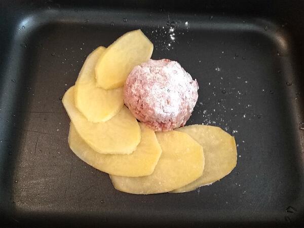 шарик из фарша с картошкой