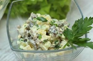 американский картофельный салат грибы