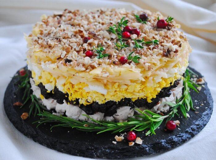 новогодний салат с индейкой