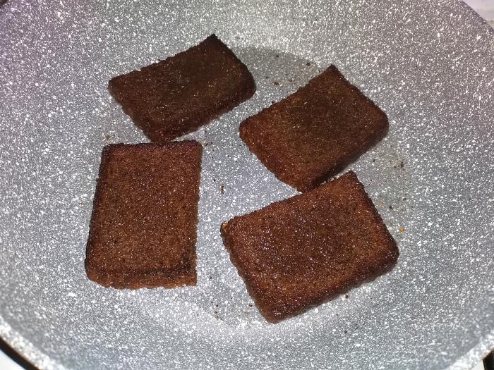 черный хлеб жарить
