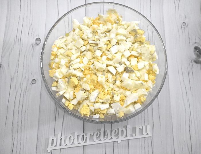 салат с курицей копченой грибами и ананасами фото 4